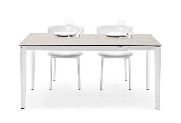 tafel-pentagon-connubia-calligaris